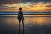 Собрались в отпуск? Не забудьте про удачные позы для фото на море от EVA Blog