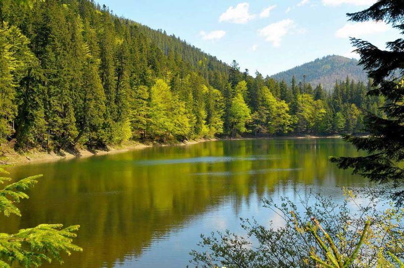 Скачать бесплатно красивые широкоформатные HD обои Озеро в