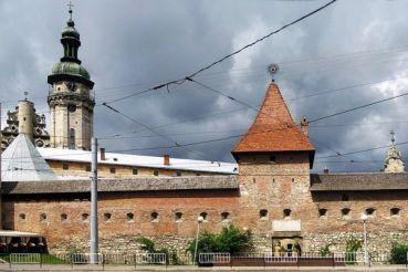 Hlyniany gate (Lviv)