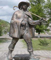 Памятник почтальону Федору Фекете