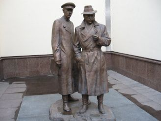 Памятник Жеглову и Шарапову