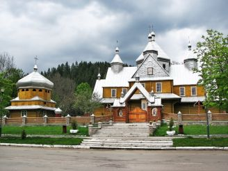 Успенська церква, Верховина