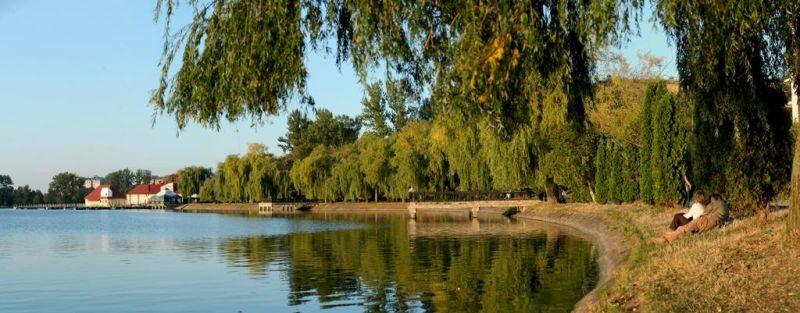 У Івано-Франківську на міському озері хуліганили підлітки, не обійшлося без поліції