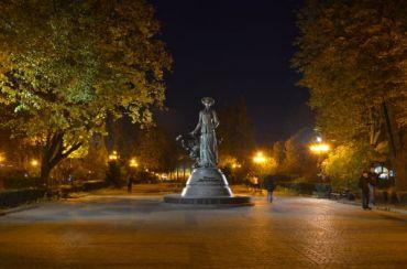 Monument Salome Krushelnytska, Ternopil