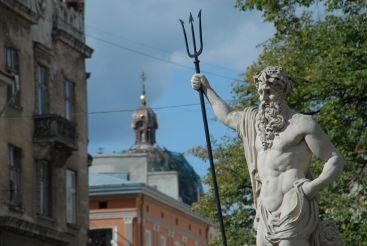Фонтани на площі Ринок, Львів