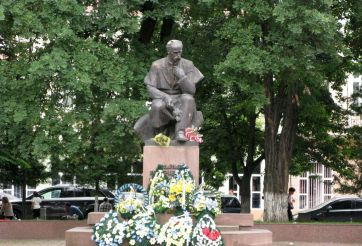 Monument to Taras Shevchenko, Coloma