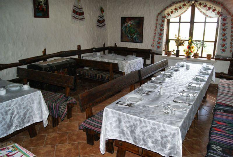 Деревянное кафе сгорело на Львовщине, - ГосЧС - Цензор.НЕТ 1138