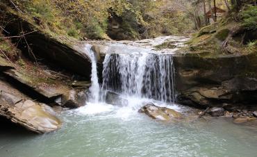 Водопад Шепотский Гук Малый