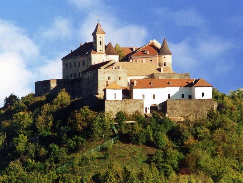Картинки по запросу замок Паланок