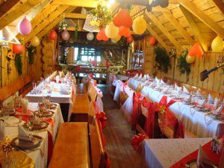 Ресторан комплексу Ведмідь, Долина