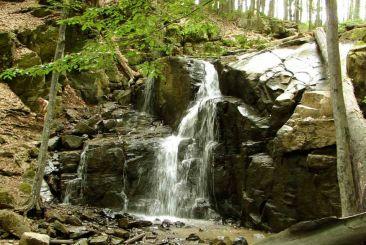 Skakalo Waterfall