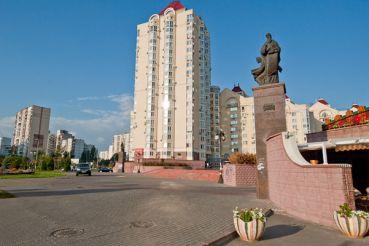 Пам'ятник апостолам Матвію, Марку, Іоанну і Луці, Київ