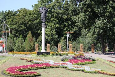 Скульптурне зображення Архангела Михаїла, Харків