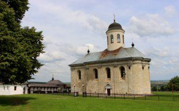 Церква Успіння Пресвятої Богородиці, Крилос