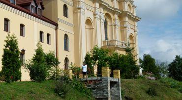 Костел кармелитов в Большовцах