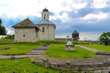 Фундамент Успенского собора, Крылос