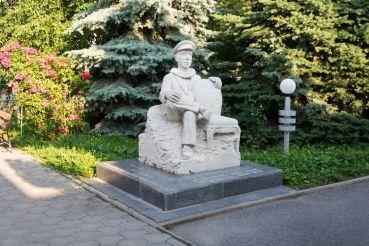 Памятник Осипу Шору