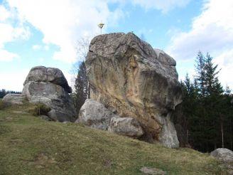 Камень Довбуша на приселке Завоелы, Космач
