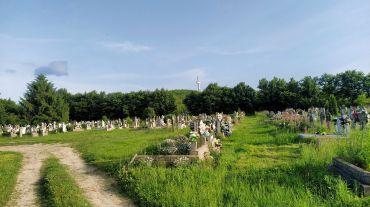Ancient cemetery, Derzen