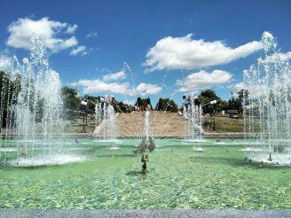 Комплекс світло-музичних фонтанів «Перлина кохання», Умань