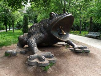 Пам'ятник жабі, Київ
