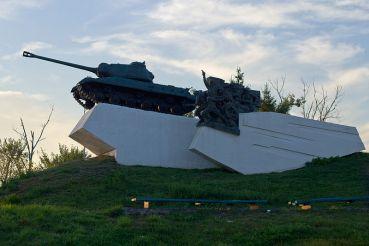 Монумент героям танкової битви, Дубно