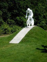 Пам'ятник Велосипедистові