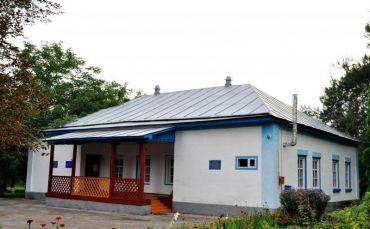 Музей-усадьба Льва Ревуцкого, Иржавец