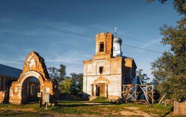 Покровська церква, Лебедин