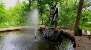 Памятник Яну и Наталке, Корсунь-Шевченковский