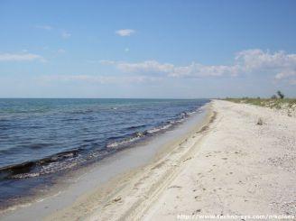 Нудистський пляж на косі, Миколаїв