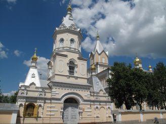 Корецкий Свято-Троицкий монастырь, Корец