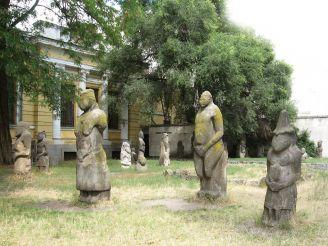 Кам'яні баби, Дніпро