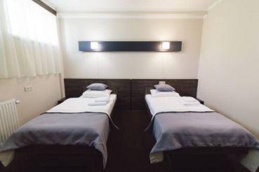 Двухместный номер с 2 отдельными кроватями и балконом