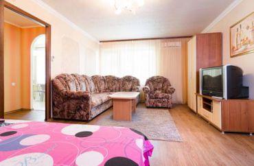 One-Bedroom Apartment on Postysheva Street 122