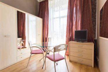 Poltavskiy Shlyakh 22 Apartment