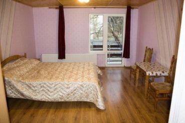 Двомісний номер з 2 двоспальними ліжками