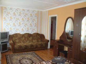 Pivdenna Apartment 33/9