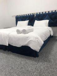 Великий двомісний номер з 1 двоспальним ліжком або 2 окремими ліжками.