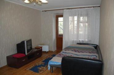 СдаюКвартирыСуткиЛуганск 1к квартира Посуточно в Центре Луганска.