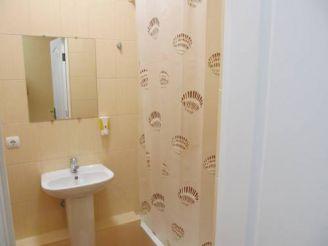 Двомісний номер Делюкс з окремою ванною кімнатою