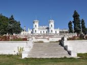 Palace Sharivtsi: urgently need restoration