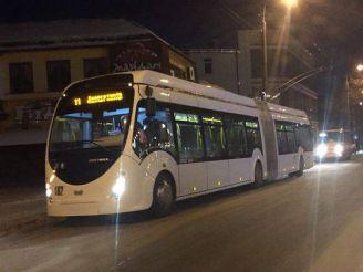 Перший в Україні автобус-гібрид з'явився у Рівному