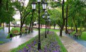 В Киеве обновили площадь-сквер