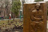 В Киеве установили памятники украинцу Тарасу Шевченко и китайцу Ду Фу