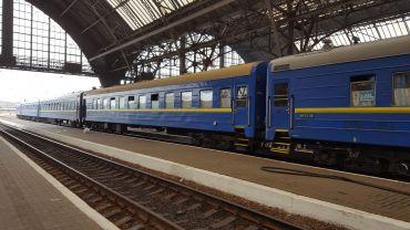 Украинские железные дороги назначили дополнительные поезда на Пасху