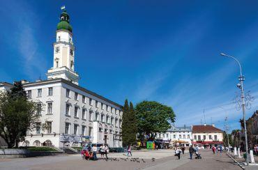 В Дрогобыче приостановили реконструкцию главной площади