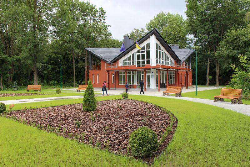 На Івано-Франківщині функціонує сучасний візит-центр для туристів (відеосюжет)