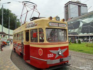 В Одессе туристов возят на ретротрамвае