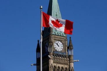 Для виз в Канаду теперь нужна биометрия